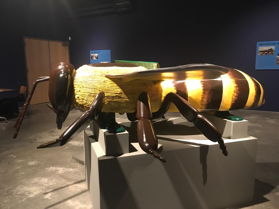 honey bee coffin