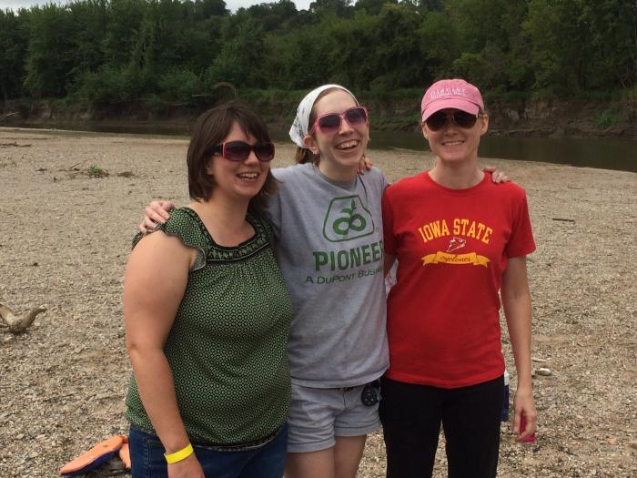 Photograph of former Coats' lab group members Kelsey Prihoda, Lindsey Schacherer, Keri Carstens on the float trip.